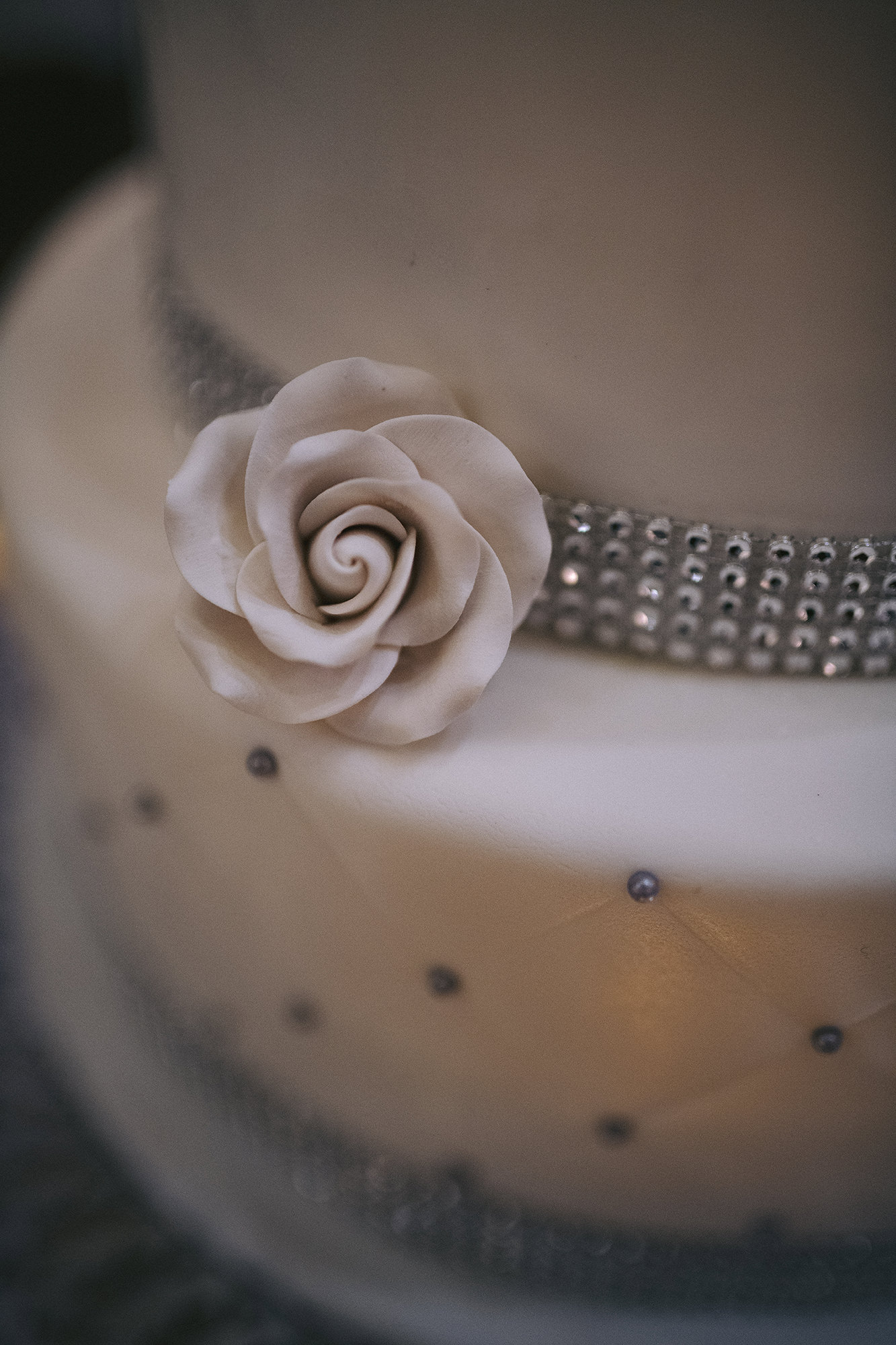 Floral Decor On Wedding Cake